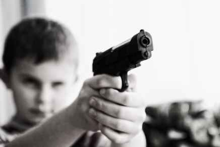 weapon-violence-children-child-52984.jpeg